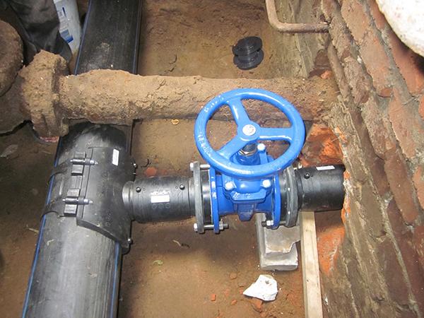 стальная задвижка для водопровода