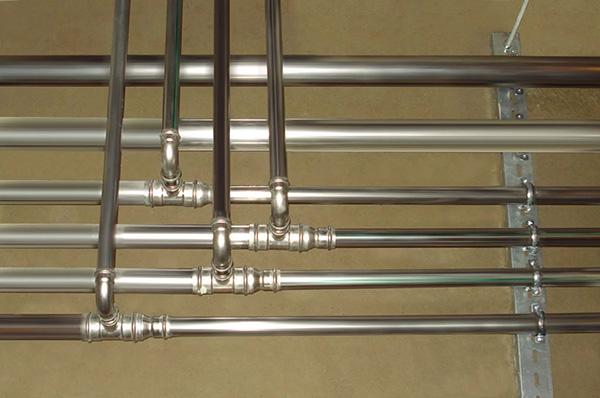 Трубопровод из оцинкованных труб