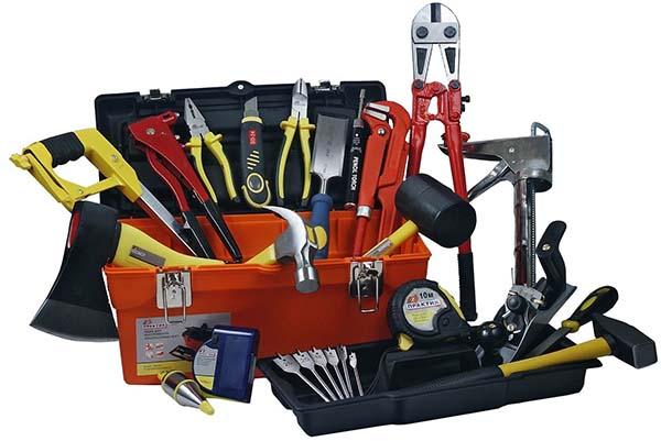 минимальный набор инструмента для дома 100 рублей