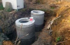 Делаем канализацию кольцами в частном доме