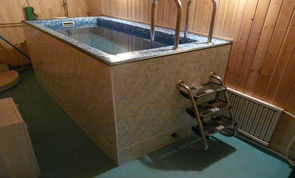 напольный бассейн