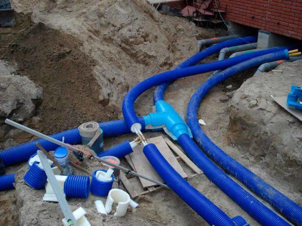 Как правильно монтировать сети водоснабжения и канализации