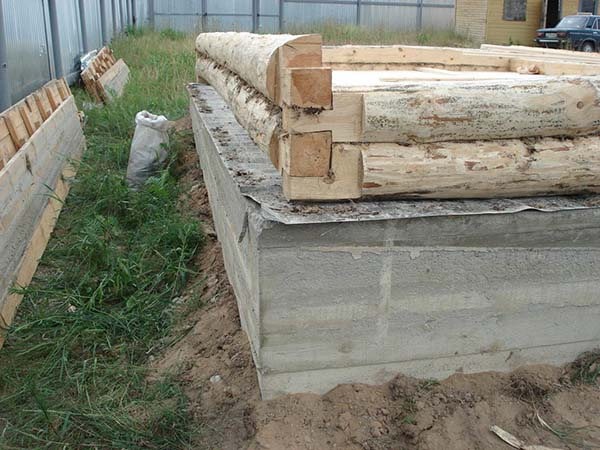 Как поставить сруб бани на фундамент