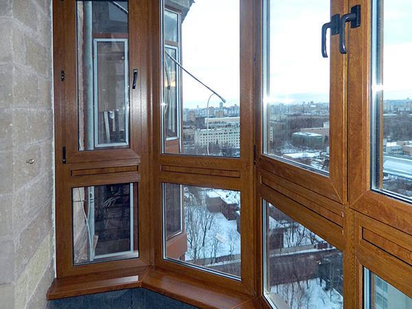 деревянные балконные окна