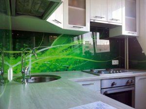 Как выбрать стеклянный фартук для кухни
