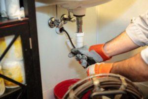 Как устранить засор канализации
