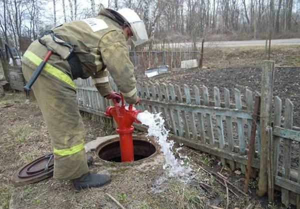 пожарная колонка