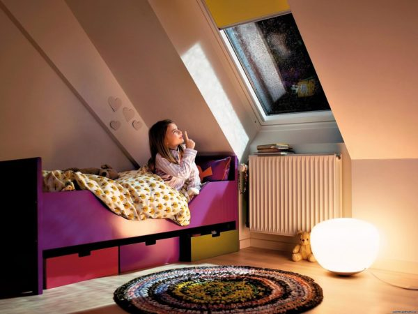 Как выбрать мансардные окна: какие они должны быть