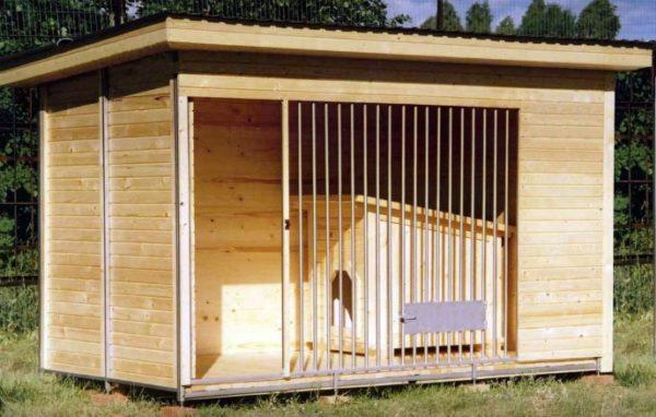будка для собаки с загоном